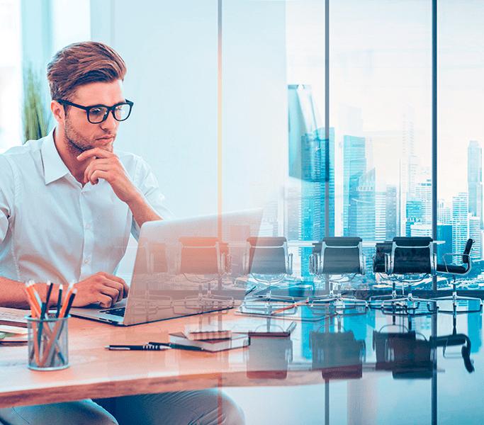 Digital mand på et kontor